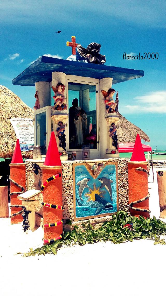 For daily tag #highcontrast #photography #island Holbox, México.
