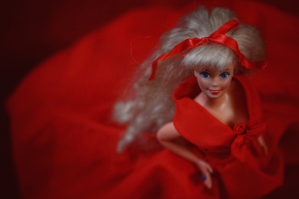 #red #doll #barbie #featured