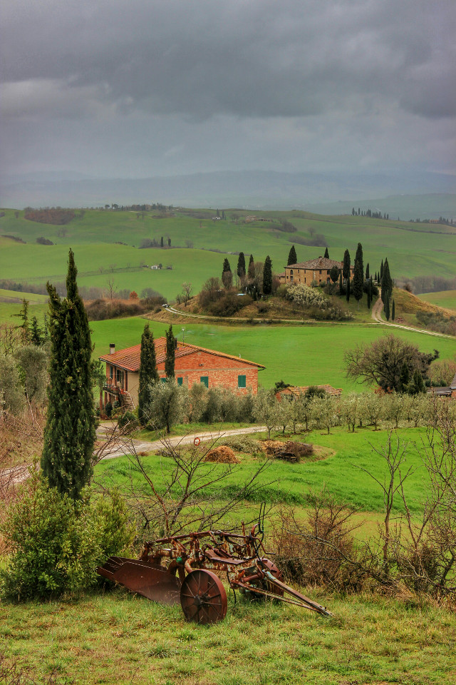 For all of my italian friends, especially @misspisky and @pamix  Greetings from Val d'Orcia. Italy