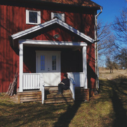 sweden sister lugnet red treehouse